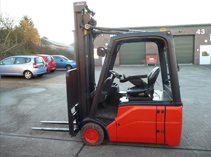 seated-reach-truck